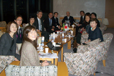 Professor Carol Suzuki meets with the Shihoushoshi Lawyers' Association in Tokyo.